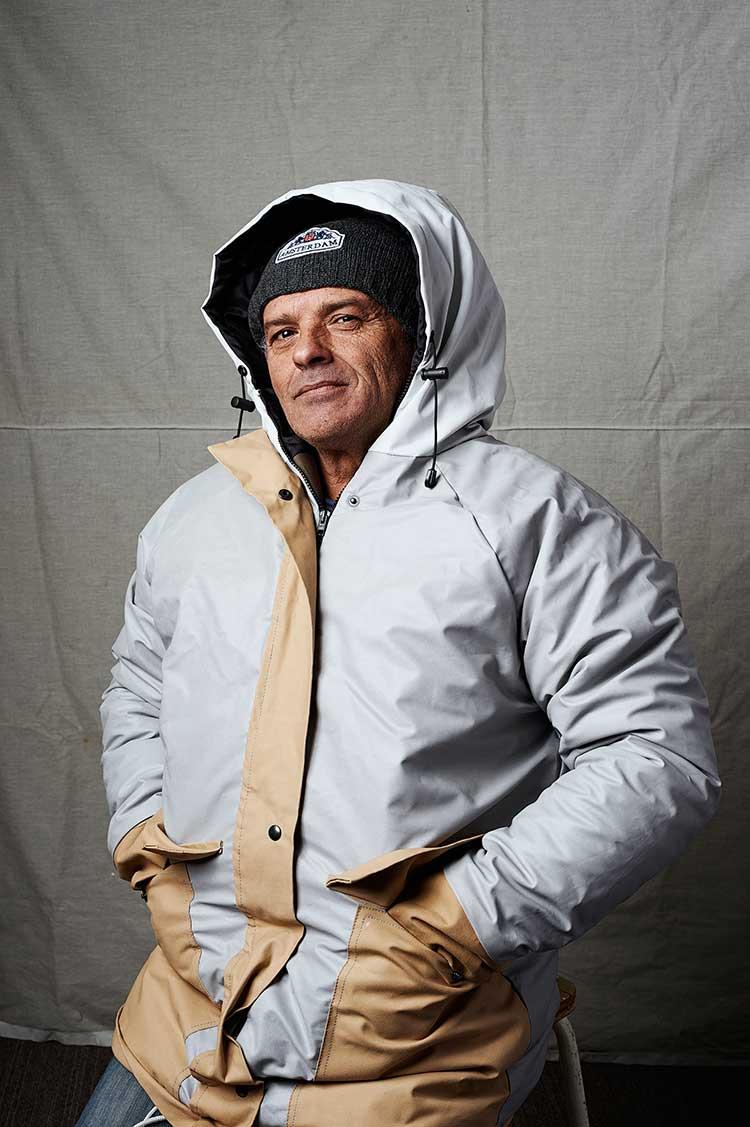 Portret Antonino Daklozen In De Sheltersuit